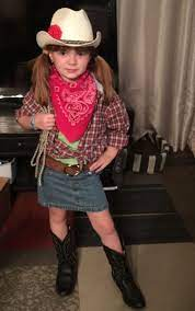 seven year old creates cowgirl costume