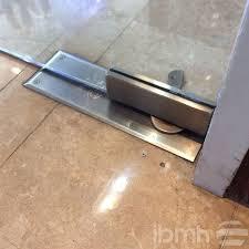 herraje pivotante vidrio cierrapuertas piso bisagra hidraulica para puertas en vidrio bisagras hidraulicas zocalo cerradura hydraulic