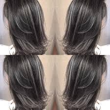 ストレートのハイライトカラー 長髮2019 ヘアカラー髪型