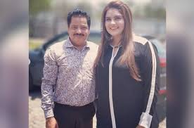 Udit Narayan finds his biggest fan in Anjali Anand