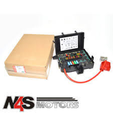 land rover range rover fuses fuse boxes land rover range rover p38 1994 to 2001 petrol fuse box genuine part amr6405