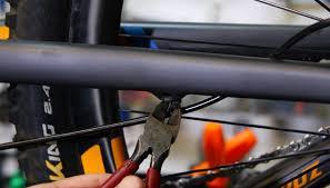 How To Change a Hydraulic <b>Brake</b> Line on Your <b>MTB</b> - Singletracks ...