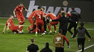 De europese voetbalbond uefa start een disciplinair onderzoek tegen de oostenrijker marko arnautovic. Blamage Duitsland Tegen Noord Macedonie Engeland Wint Topper Tegen Polen Nos