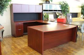 warren series american cherry new u shaped laminate executive desk with overhead hutch peartree office furniture