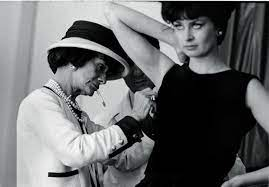 Did Coco Chanel Being Single Affect Her Designing?