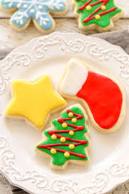 christmas sugar cookies. Modren Cookies Super Soft Cutout Sugar Cookies Decorated With An Easy 4ingredient Icing To Christmas Sugar Cookies