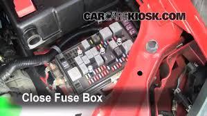 replace a fuse 2004 2012 gmc canyon 2007 gmc canyon sle 3 7l 5 2006 gmc canyon fuse box diagram at 2004 Gmc Canyon Fuse Box