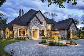 Dream House Tour: English manor house with opulent details in Texas