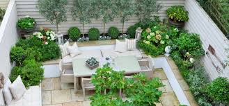 small courtyard gardens