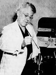 File:Frances Gertrude McGill working in laboratory.png - Wikimedia ...