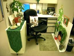 office cubicle decoration themes. Office Cubicle Decoration Themes Chic Small Home  Green Theme Used E