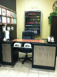 nail salons two uv lamps dream desk i wonder how much time that would cut
