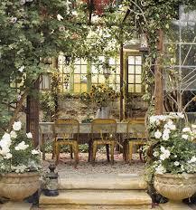 Lanterne Da Giardino Economiche : Consigli per arredare il terrazzo e giardino come un salotto