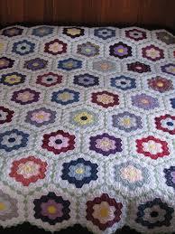 Grandmothers Flower Garden Quilt is Finished!   Gretchen's Little ... & IMG_3946 Adamdwight.com