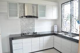 Dapur Rumah Bentuk L