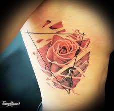 татуировки цветов смотрите в галерее фотографий салона татумания