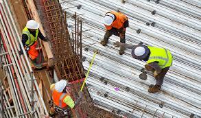 Construction workers building - Steelport Maastricht