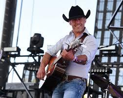 Aaron Watson Brings Texas Sound To Kick Off Bucking Horse