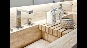 Esse modelo geralmente vem com a parte da rodabanca esculpida também, que é essa parte mais alta que protege a parede e se encontra com o espelho. 60 Bancadas Com Cubas E Pias Esculpidas Fotos