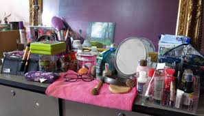 organizing my makeup storage with daiso storage bo