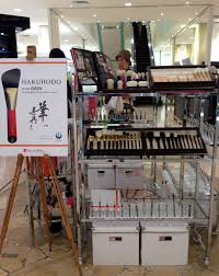 a hakuhodo makeup brush i just about d when i saw this stand in takashimaya because i had never actually seen a hakuhodo brush in real life