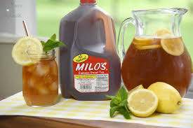 Spiked Arnold Palmer Recipe With Milos Sweet Tea A Moms