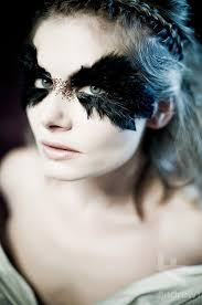 feather eyes could be a cool touch for y makeup black swan