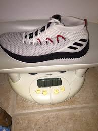 adidas dame 4. 14 ounces is about average weight for a low and still two lighter than the clb16. adidas dame 4