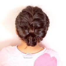 ガーリーなまとめ髪アレンジ 女の子のママ必見子供のヘアアレンジ