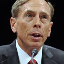 WASHINGTON - CIA-directeur David Petraeus stapt op. Foto: ANP. Dit heeft chef van de Amerikaanse geheime dienst vrijdag officieel meegedeeld. - m1nx352aftr5_sqr256