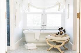 Neutral furniture Warm An Antique Bench Brings Second Neutral Shadea Soft Creamto The Bathtub Baers Furniture Tips For Decorating With Neutrals