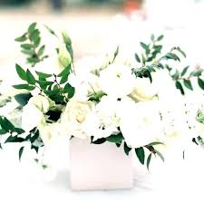 simple flower arrangements for round tables neutral wedding color palette ideas pretty centerpieces table spring wedding centerpieces for round tables