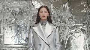 <b>MM6 Maison Margiela</b> Fall 2018 Ready-to-Wear Collection - Vogue