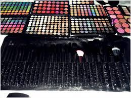 makeup artist train kit