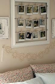 Polaroid Fotos Deko Vintage Idee Waescheleine Spitze Verzierung Wand