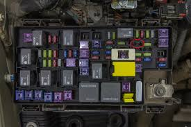 diy jeep wrangler jk isolated dual batteries the road chose me jeep wrangler fuse box fix location to put the add a circuit fuse holder