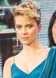 Scarlett Johansson on screen and stage ...