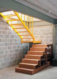 Basement Stair Designs Fascinating Casa Erguida Em Quatro Meses Com R 48 Mil Escadas Pinterest