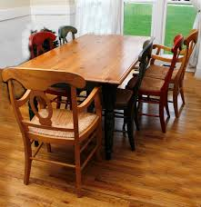 White Dining Room Set With Bench This Country Style Dining Table Country Style Table And Chairs