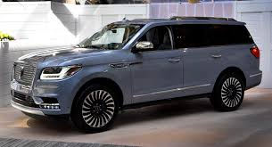 luxury full size suv 2018 lincoln navigator adds refinement luxury and 450hp to full