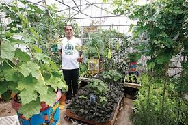 backyard gardening. Interesting Gardening Selftaught Agriculturist Danny Agliam Is Being Invited To Be A Resource  Speaker In Several Trainings Share His Knowledge On Urban Agriculture  In Backyard Gardening