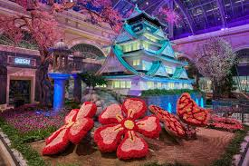 bellagio s conservatory botanical gardens in las vegas celebrates japan with vibrant spring display through june