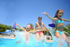 7 Awesome Games Kids Can Play in the Swimming Pool