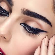 maybelline spring2016 eye trend winged eyeliner look 1x1