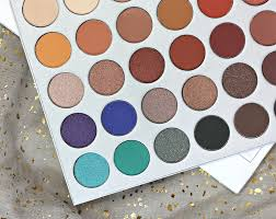 i do own one other morphe eyeshadow palette the 35t because i love me some taupes so in regards to how the shadows in the jaclyn hill palette perform vs