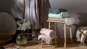 <b>Пледы</b> – купить <b>плед</b> на кровать или диван в интернет-магазине ...