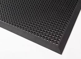rubber mat with bevelled safety edging