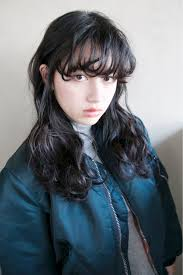 黒髪をおしゃれに見せるコツはヌケ感レングス別の黒髪スタイル