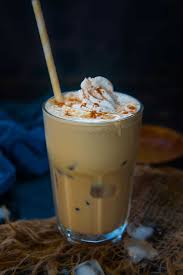 Put cold brew, pumpkin puree, milk, syrup, and 3/4 of the pumpkin pie spice in a blender. Iced Pumpkin Spice Latte Recipe Step By Step Video Whiskaffair