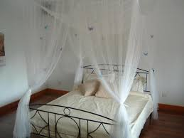 smart use of canopy bed drapes. Queen Canopy Bed Curtains Smart Use Of Drapes I